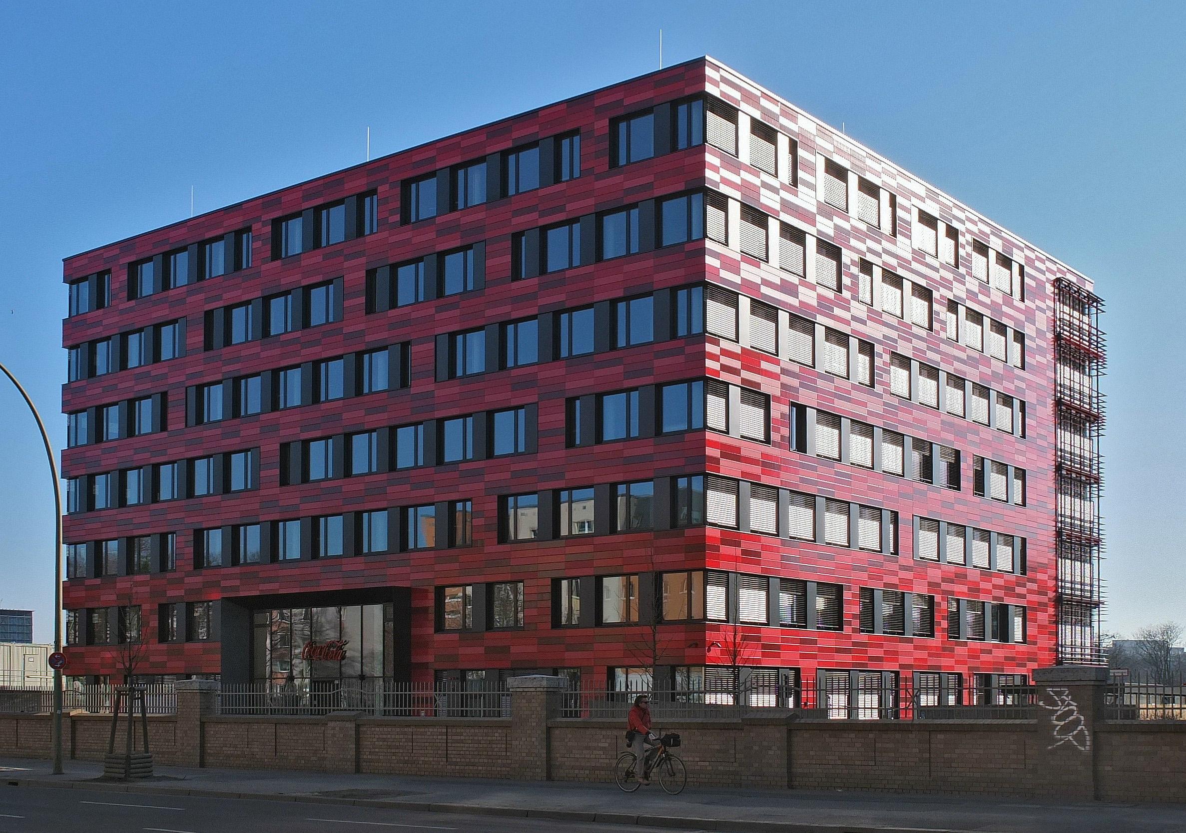 Coca Cola bringt 500 Arbeitsplätze nach Friedrichshain