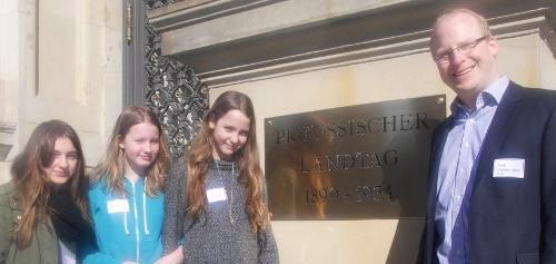 Girls, Girls, Girls im Abgeordnetenhaus
