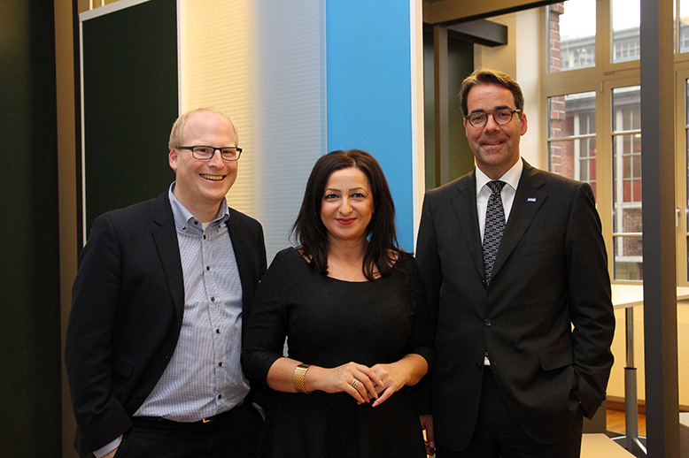 Arbeitssenatorin Dilek Kolat zu Gast bei BASF in Friedrichshain