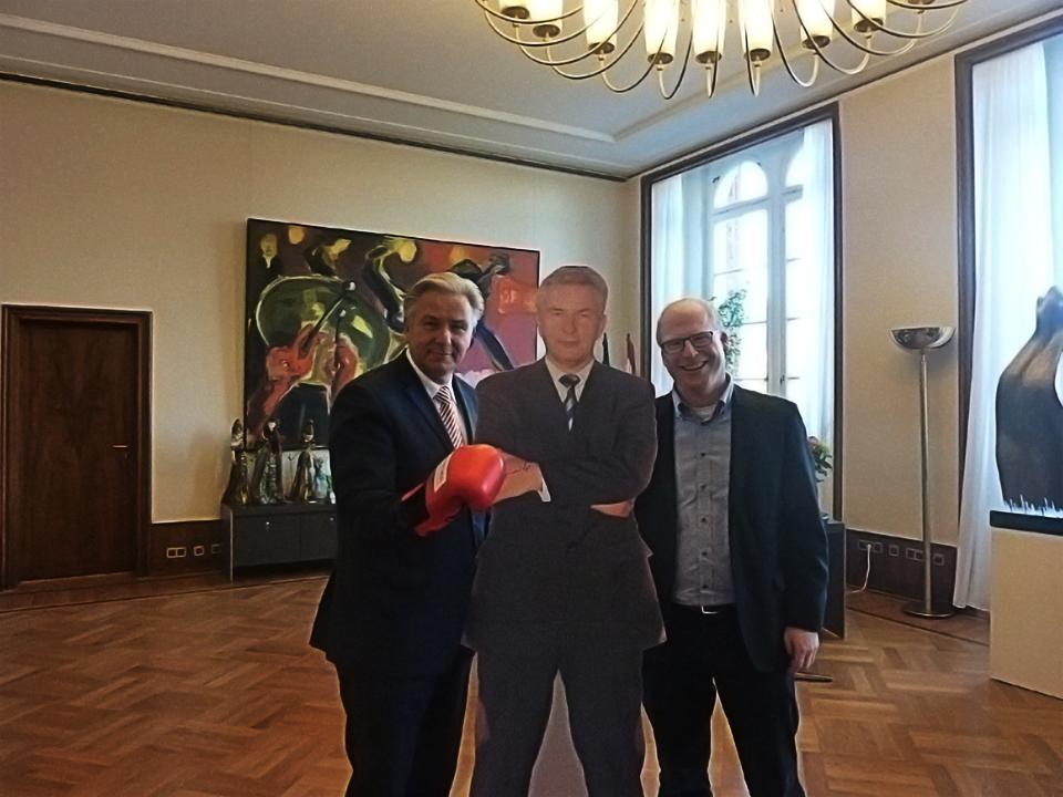 """Versteigerung von """"Klaus Wowereit"""" für den guten Zweck!"""