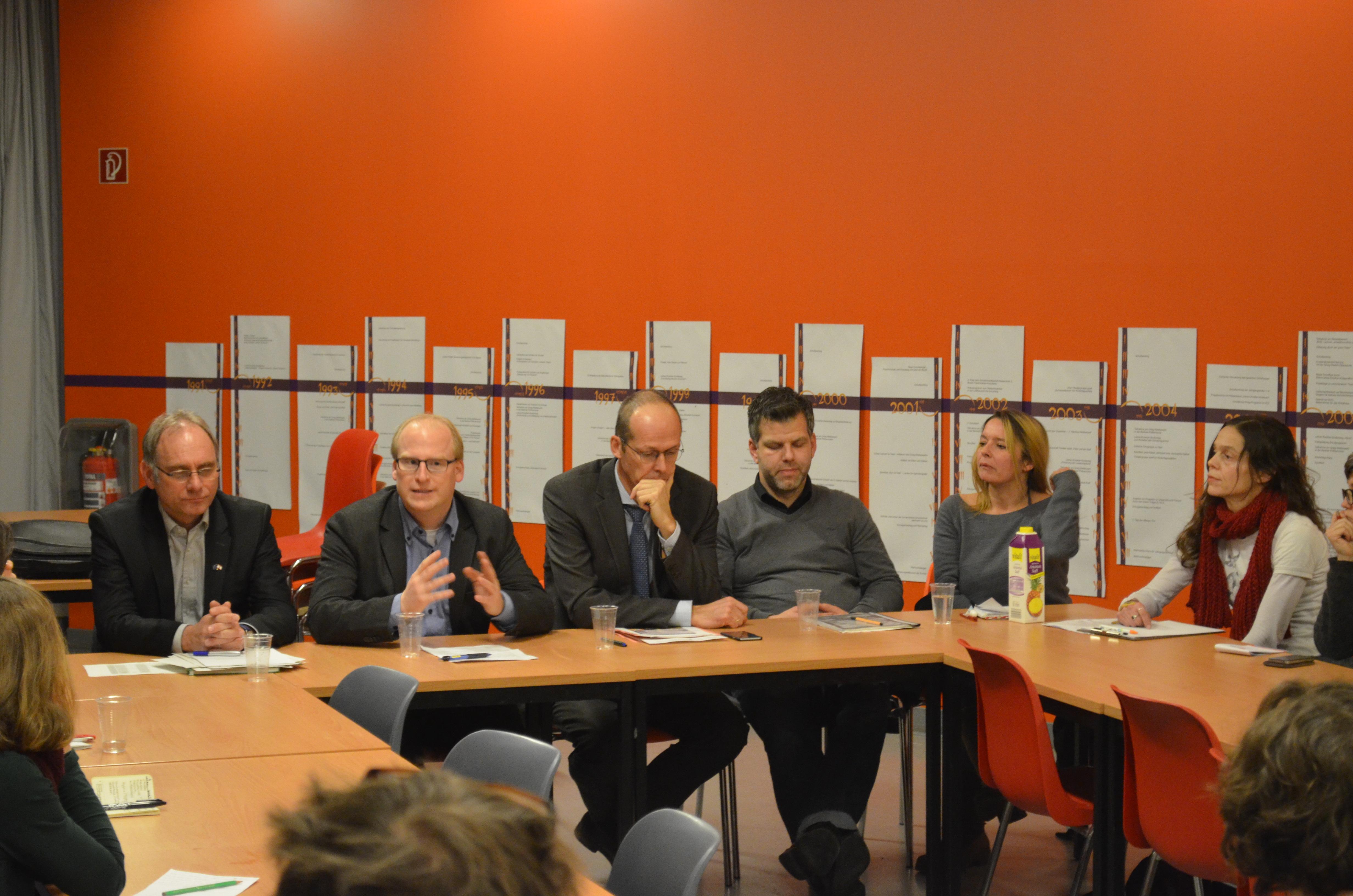 Elternforum zur Schulpolitik mit Vertretern von Land und Bezirk