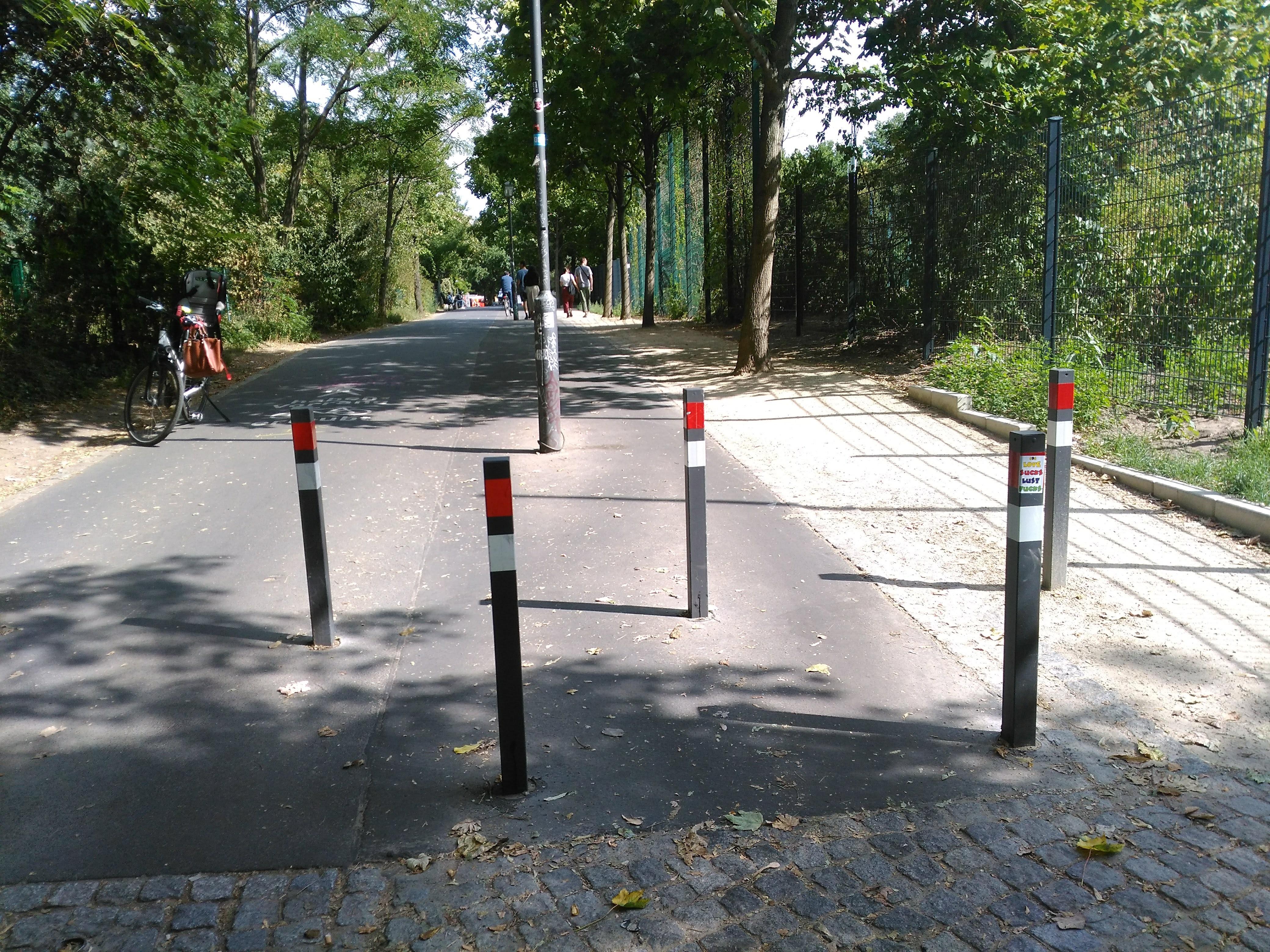 Verkehrssicherheit im Görlitzer Park verbessert